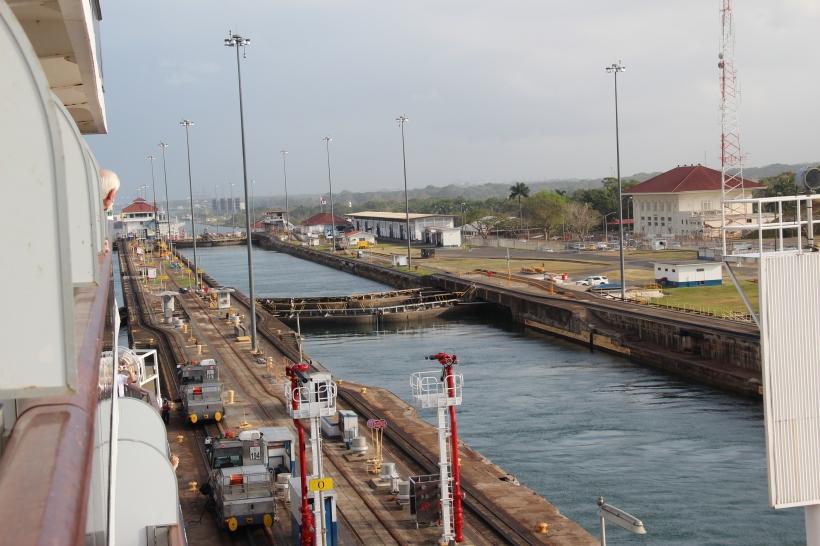 panama-canal-cruise-060
