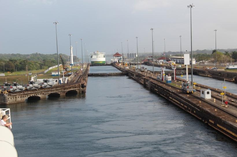panama-canal-cruise-062