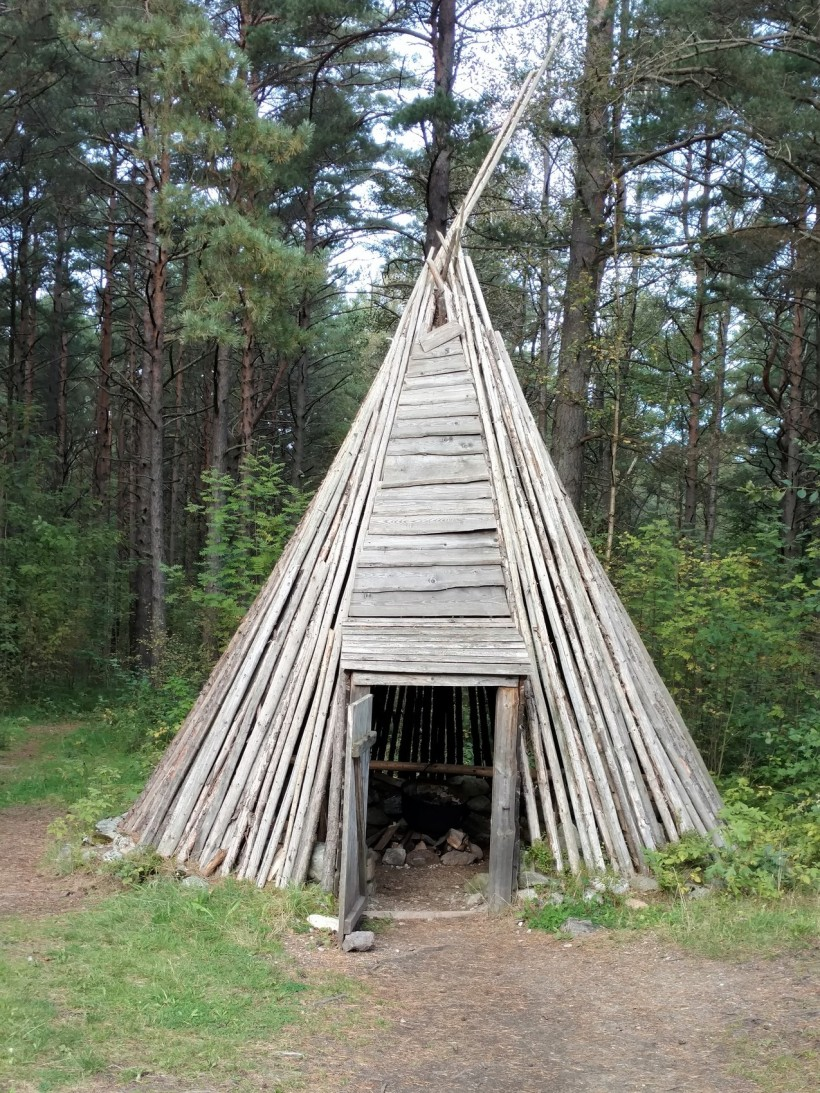 tallinn-estonia-highlight-tour-and-outside-museum-018a