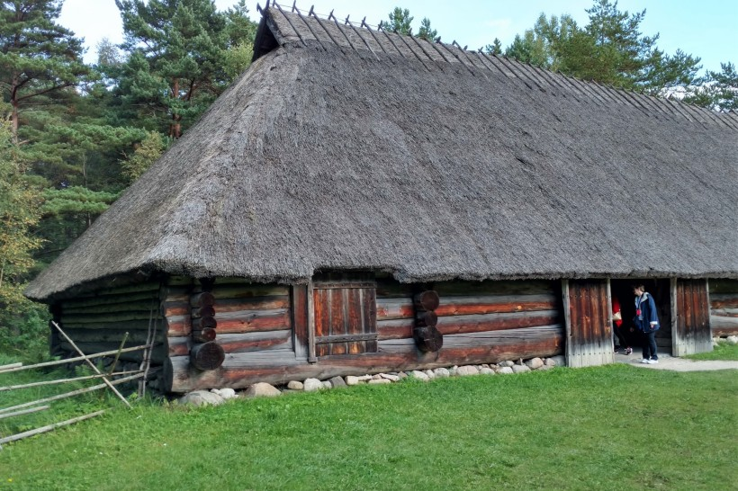 tallinn-estonia-highlight-tour-and-outside-museum-019a